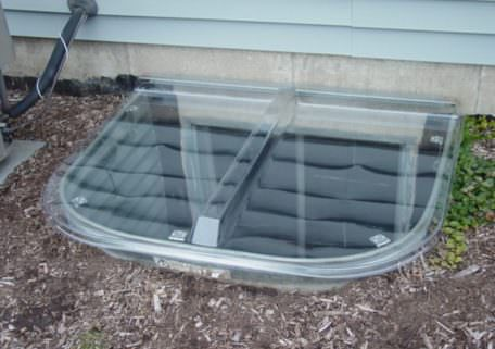 Molded Window Well Cover 1