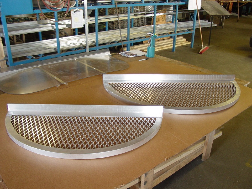 Aluminum safety grates