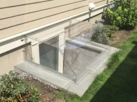 installed-atrium-window-well-cover