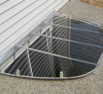 sloped-window-well-cover-new-featured